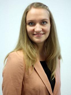 Elena Schürig (geb. Alena Golovach), Bachelor Aviation Management